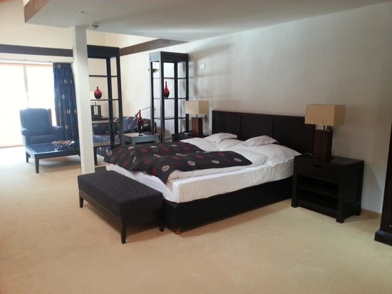 Waldhotel Doldenhorn: Schlafzimmer 900