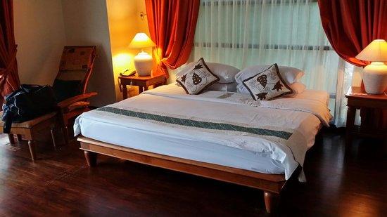 Nirwana Gardens - Indra Maya Pool Villa: Master bedroom