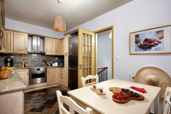Villa Paradise : kitchen - Villa Yellow
