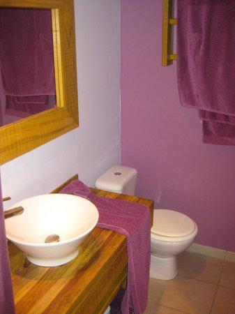 Ti Paradis : salle de bain jolie et agréable