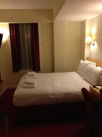 Holiday Inn London - Kensington High Street: Chambre double