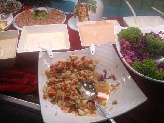 Gran Castillo Tagoro Family & Fun Playa Blanca: Las ensaladas...