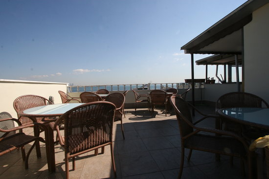 Hanedan Hotel: Terrace