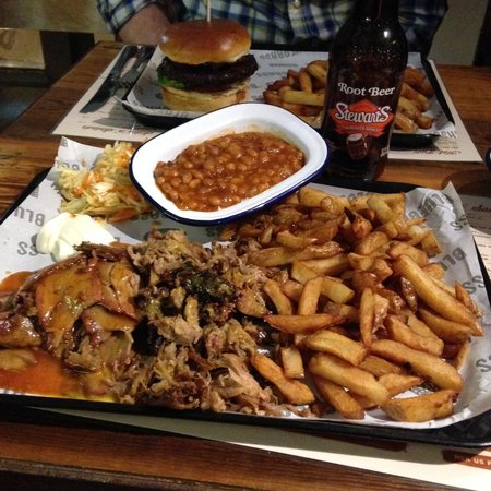 Bluegrass BBQ Smokehouse: Bluegrass BBQ pulled pork and brisket