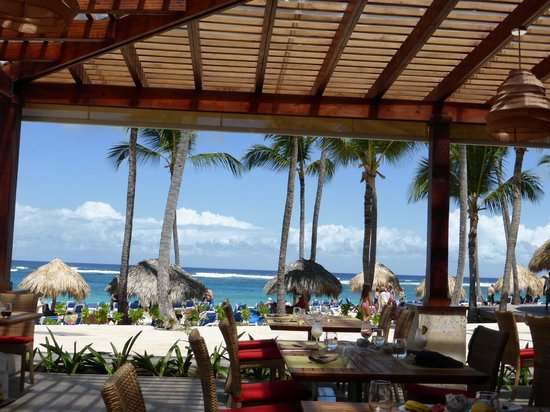 lunch time view picture of royalton punta cana resort. Black Bedroom Furniture Sets. Home Design Ideas