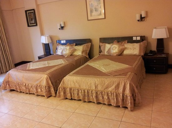 Imperial Botanical Beach Hotel: Twin Deluxe Rooms
