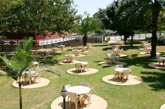 Imperial Botanical Beach Hotel: Hotel Gardens
