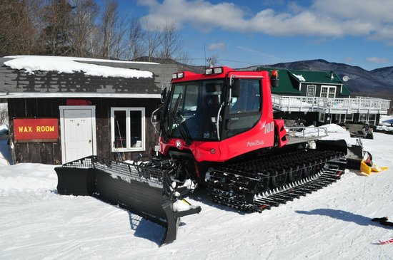 The Mountain Top Inn & Resort: Piston Bully to ensure perfect conditions on the trails.