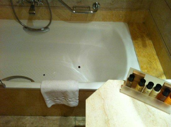 Grand Hotel et Des Palmes : vasca spaccata