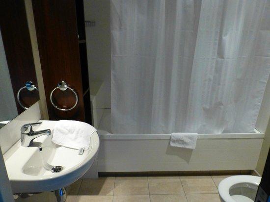 Queenstown Motel Apartments : Modernes, schönes Bad