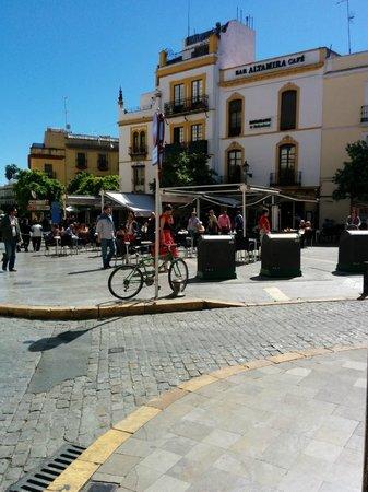 Hotel Rey Alfonso X : piazzetta fuori dall'hotel