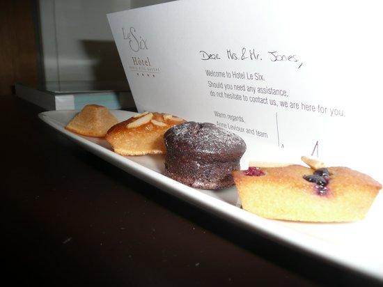 Hotel Le Six: Tastey treats