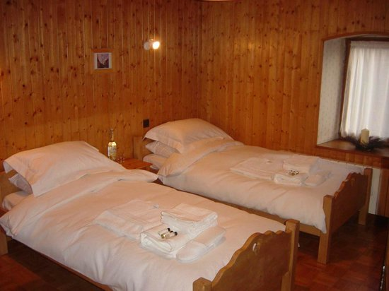 Chalet Le Chateau: room 1