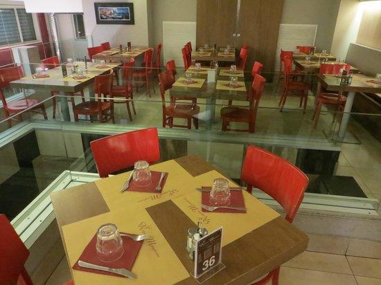 Regina-Margherita Lounge and Restaurant: Interni del locale (piano superiore)