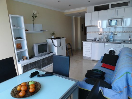 Apartamentos Roca Chica : Bright, spacious and well equipped