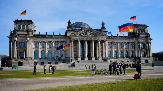 Brewer's Berlin Tours : The Reichstag