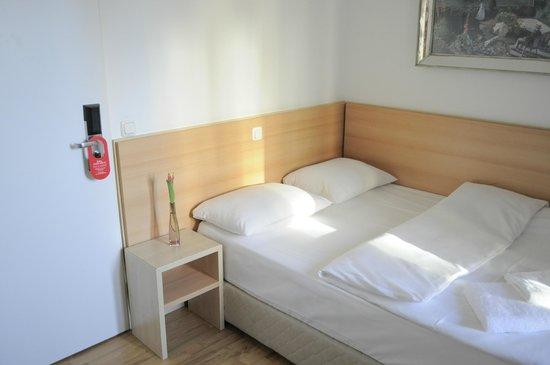 Hotel Budapester Hof: Double room