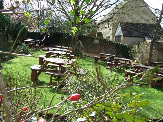 The Lamb Inn: Beer Garden