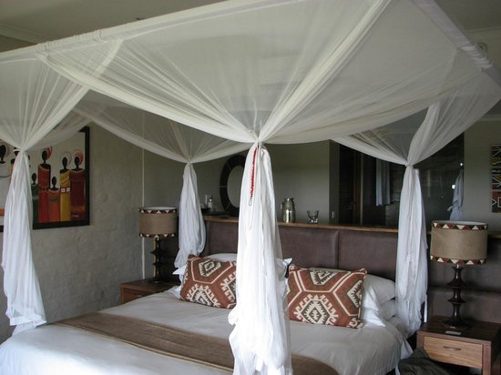 Victoria Falls Safari Lodge: Our room