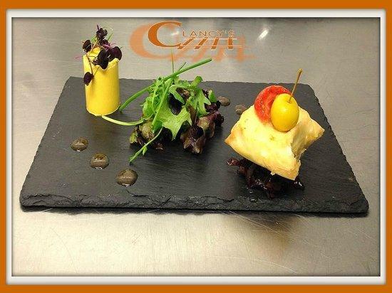Clancy's Bar & Restaurant: Goat's Cheese Starter