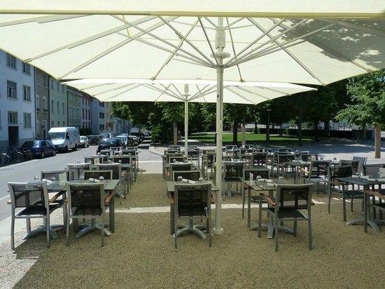 Hotel Restaurant Resslirytti : Terrasse