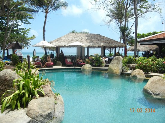 Poppies Samui : Pool & outside restaurant