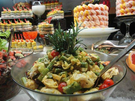 Al Diwan International Buffet : Assorted Cold Menu for your starters