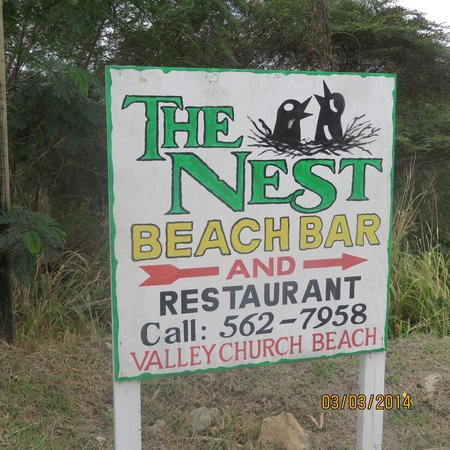 Valley Church Beach : Sign at the top of the road