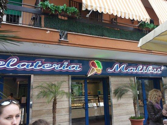 Casoria, Italie : Ingresso