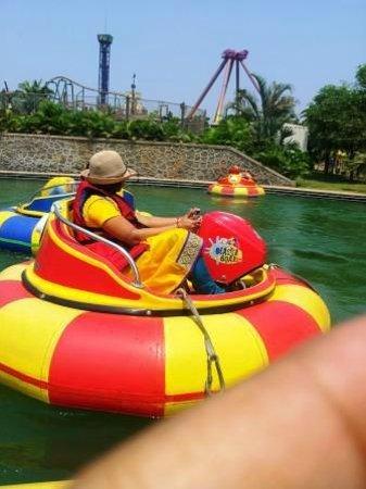 Imagica Theme Park: Boating