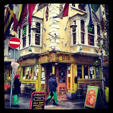 Oliver St. John Gogarty's Pub: Gogarty's!