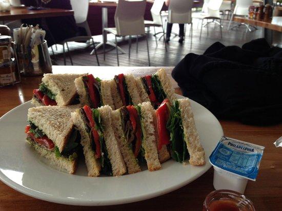 Shangri-La Hotel, The Marina, Cairns: Wonderful Sandwiches