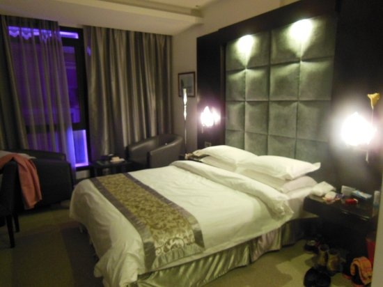WH Hotel: Deluxe Room