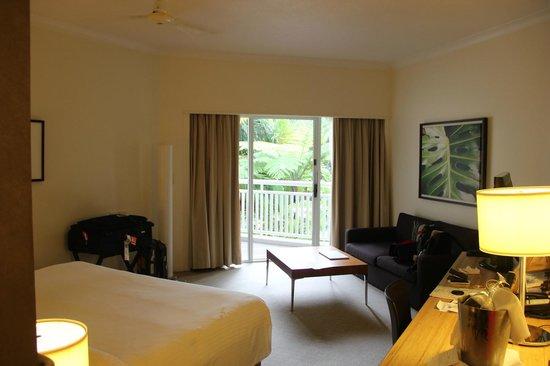 Shangri-La Hotel, The Marina, Cairns : Room