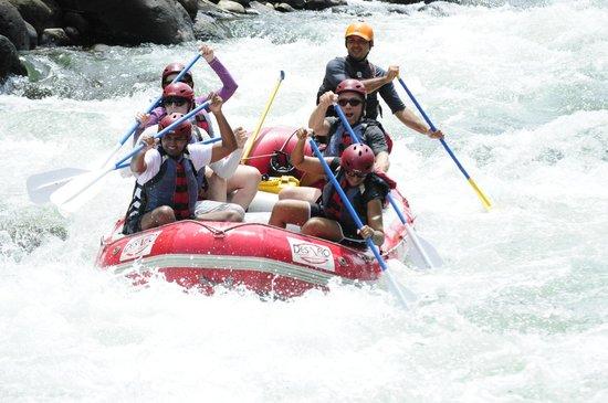 Desafio Adventure Company: Rafting the Sarapique.