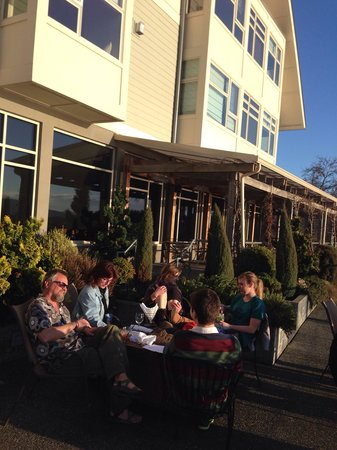 The Chrysalis Inn & Spa: Happy hour on patio in March! Out of the wind and in the sunshine.