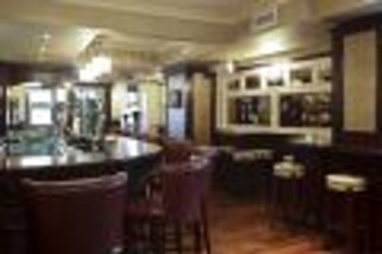 The Carraig Hotel: Front Bar