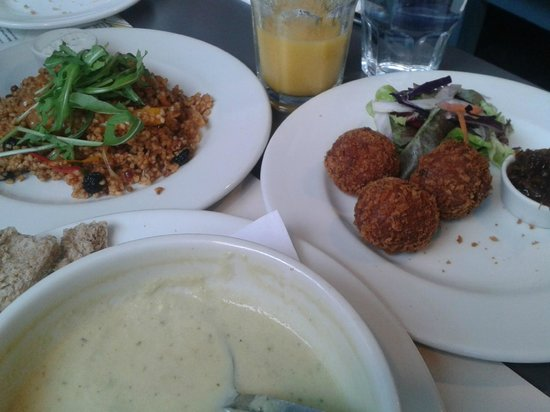 Roots and Fruits Vegetarian Cafe: My gorgeous tapas style lunch :)