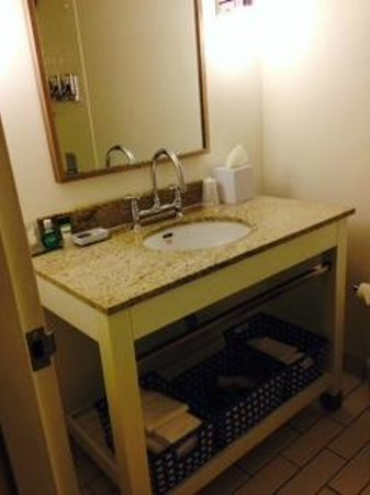 Four Points by Sheraton Bangor Airport: Bathroom