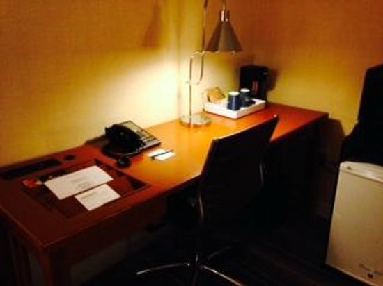 Four Points by Sheraton Bangor Airport: Office corner