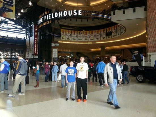 Bankers Life Fieldhouse: Awesome Fieldhouse. Not congested-easy set up.