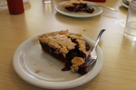 Thunderbird Restaurant: The famous Thunderberry pie