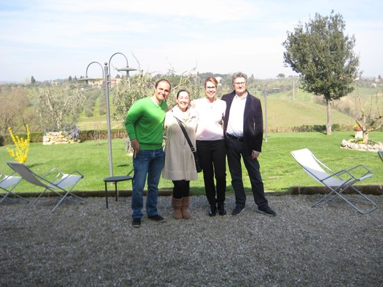 Aia Mattonata Relais: We and the AMAZING owners Elisabetta and Mario