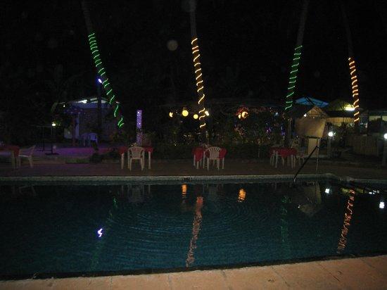 Alagoa Resort: Nice nightscene near the pool