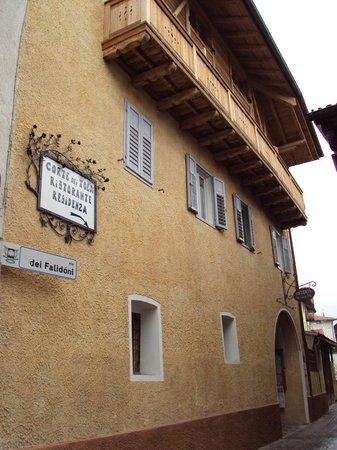 Corte dei Toldi: la struttura della Residenza + Osteria