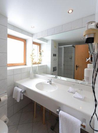 Der Feichtner Hof: Große, helle Badezimmer