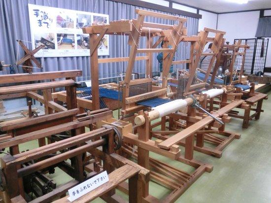 Matsusaka City History and Folklore Museum : 機織り機