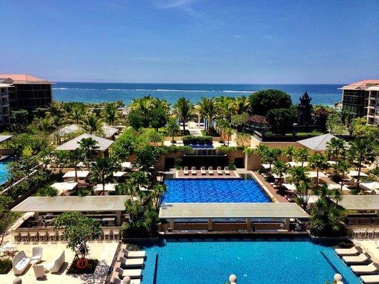 The Mulia: Multiple pools cascade  down to the sea