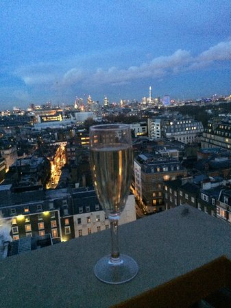 London Hilton on Park Lane : view from the Mayfair Suite