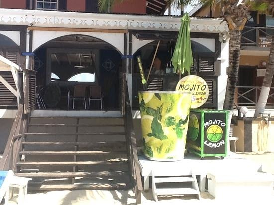Mary's Boon Beach Resort and Spa: Mojito Bar